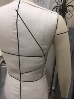 marking-dress-form-back
