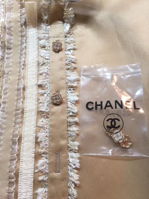 Front buttonholes